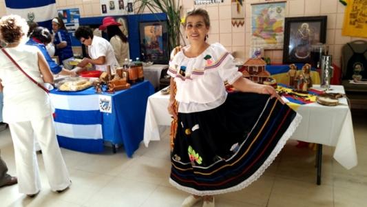 traje tipico campesina bordado colombia muyska