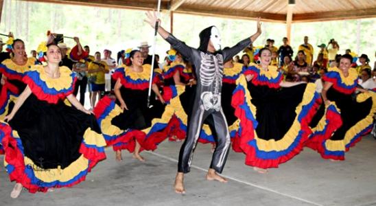 Traje Típico Garabato Colombia Muyska